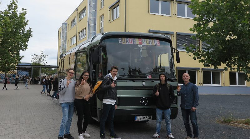 Nächster Halt Kantschule: Das Europamobil macht mobil