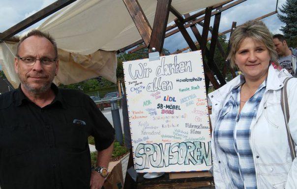 Frau Rach und Herr Holz, die haben 95% aller Spenden aufgetrieben. Chapeau!